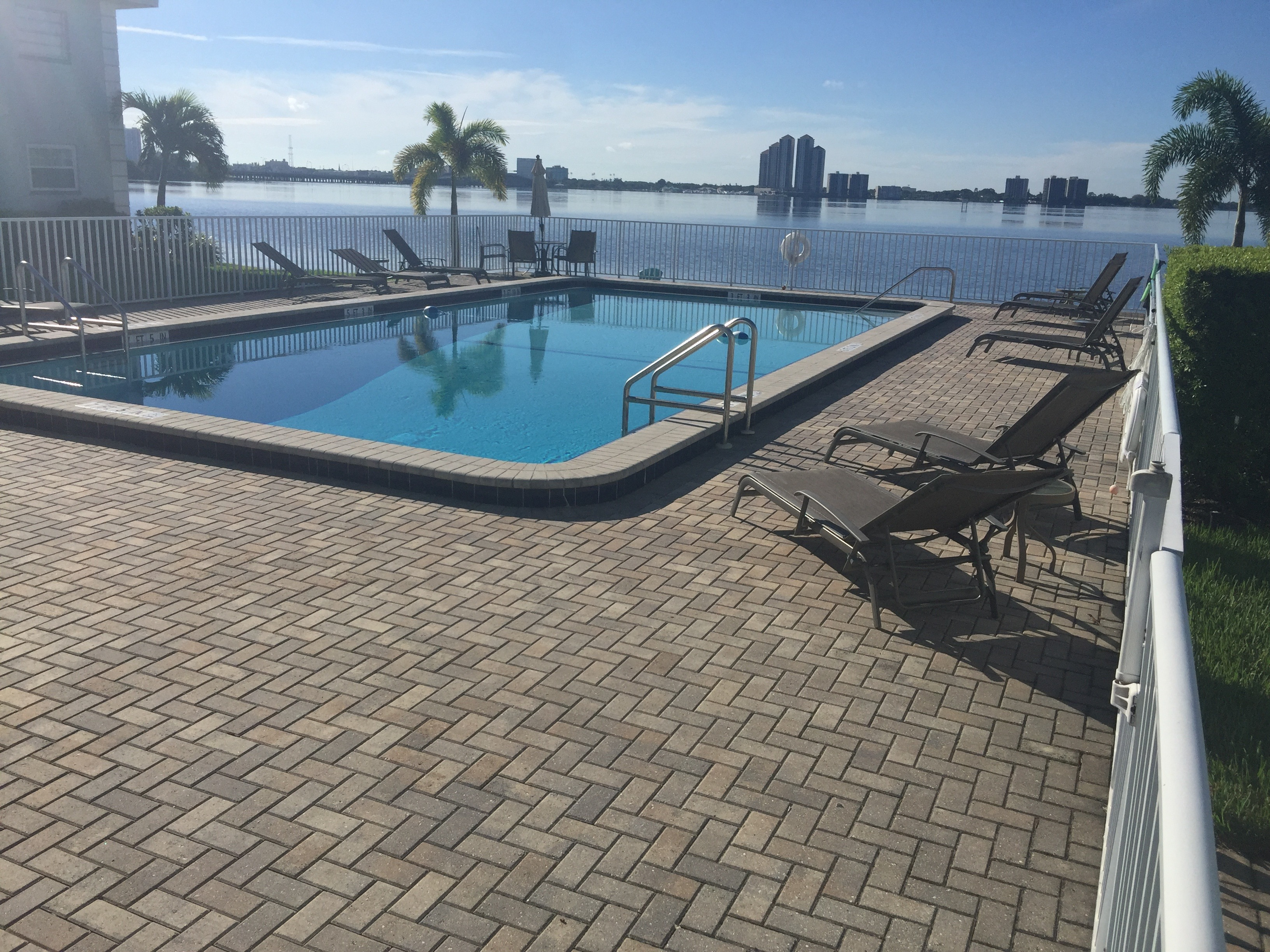 Community pool w/views of the river & downtown