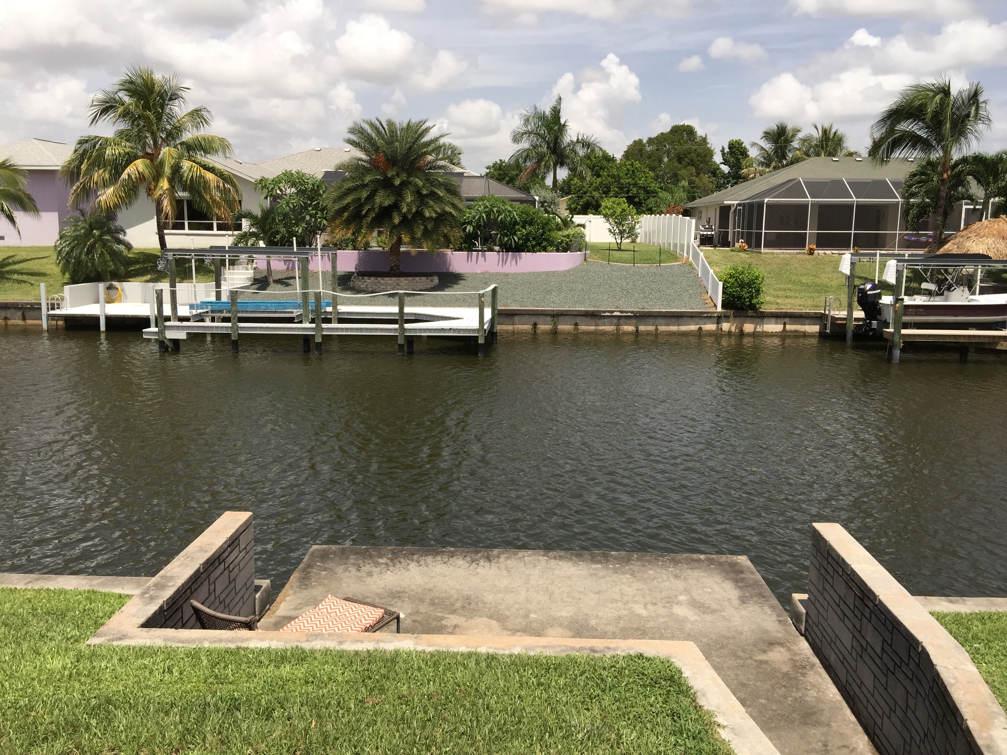 GREAT WATERFRONT LOCATION on a GULF ACCESS CANAL
