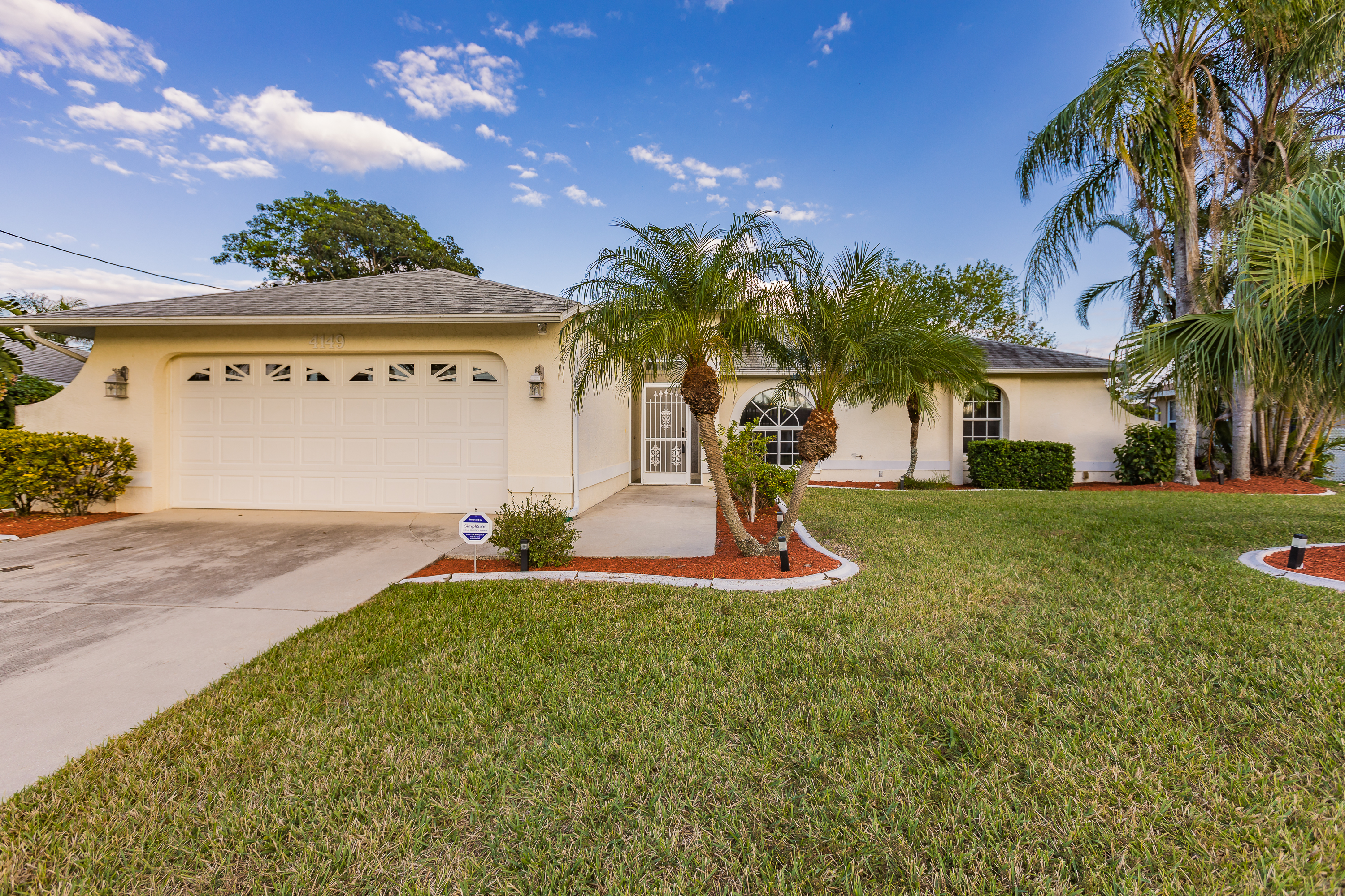 Gulf Access 3 Bed 2 Bath Home In Sw Cape Coral Very Well Maintained Angie Fritz Nichols 239